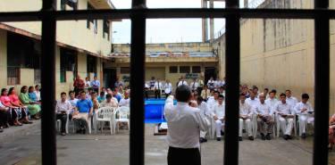 predicando en la carcel