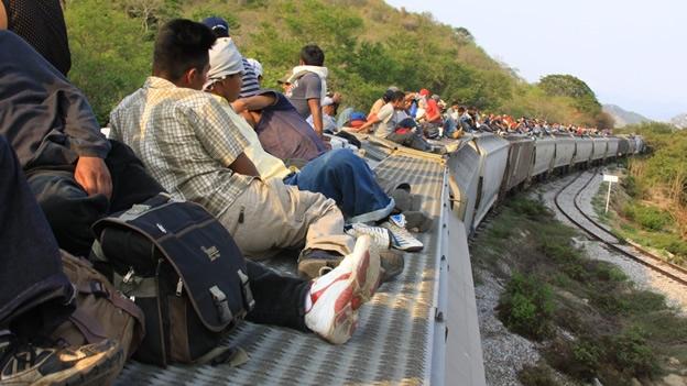 un-grupo-de-migrantes-que-atraves-la-frontera-sur-de-mxico-en-busca-del-sueo-americano-en-estados-unidos